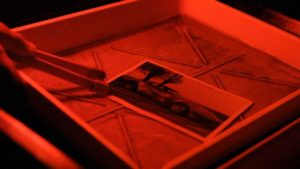 Workshop in camera oscura: Sviluppo e stampa da pellicola